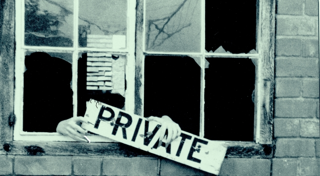 Privat window - cropped